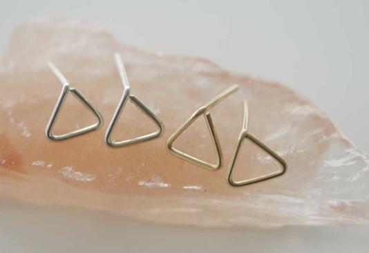 kara yoo triangle studs