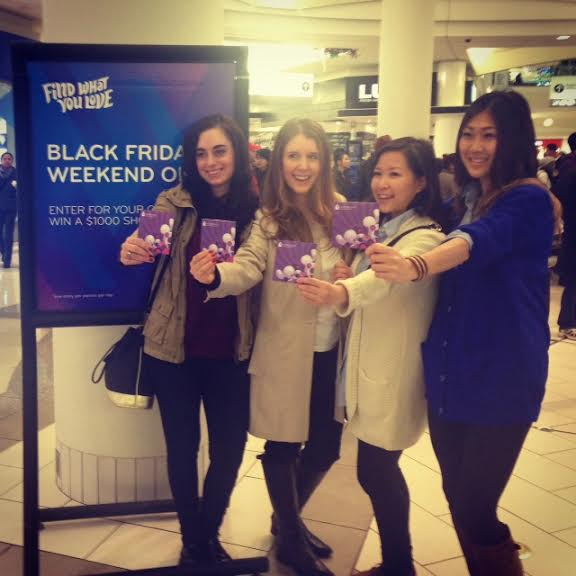 Eudora from Modern Mix Vancouver participated in the Black Friday Blogger Challenge at Metropolis at Metrotown.