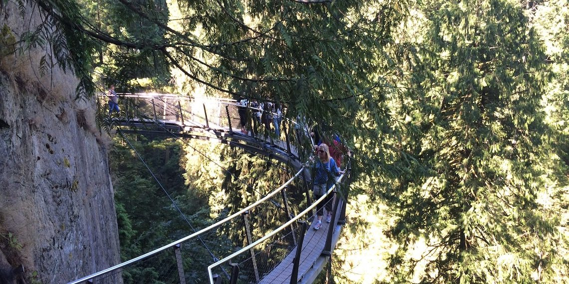 capilano suspension bridge park cliffwalk