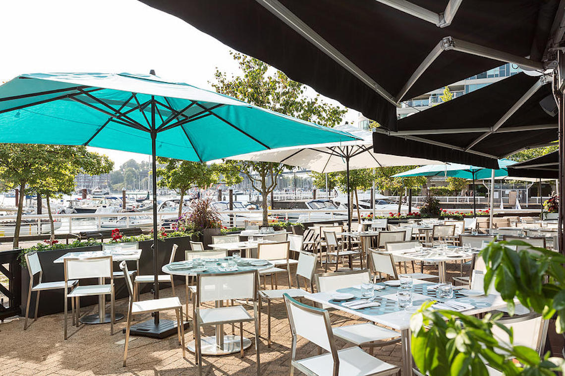 Ancora Waterfront DIning and Patio 2