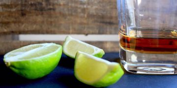rum and lime wedges