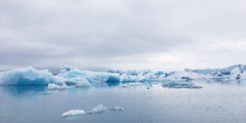 Iceland Icebergs at Jökulsárlón Glacier Lagoon thumbnail
