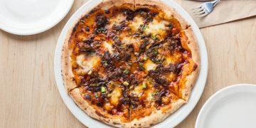 famoso korean bbq pizza