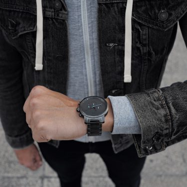Online Watch Brand MVMT is Now Available in Canadian Retail Stores