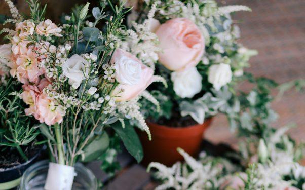 Vancouver flower arranging and floral wreath workshops