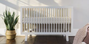 Obasan Organic Mattress in White Baby Crib