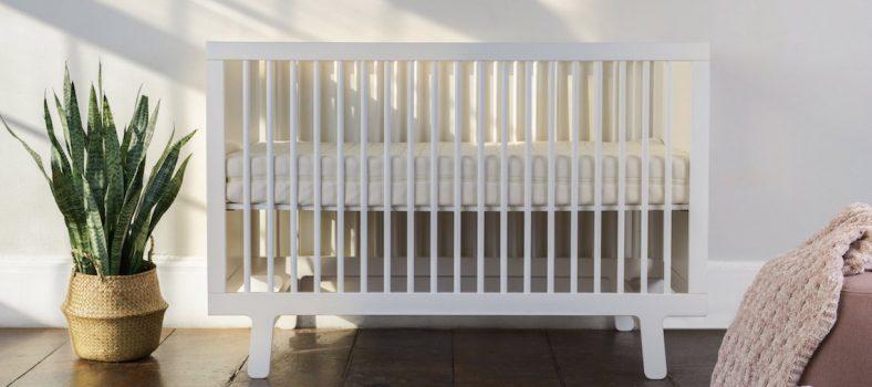 Obasan Organic Mattress in White Baby Crib